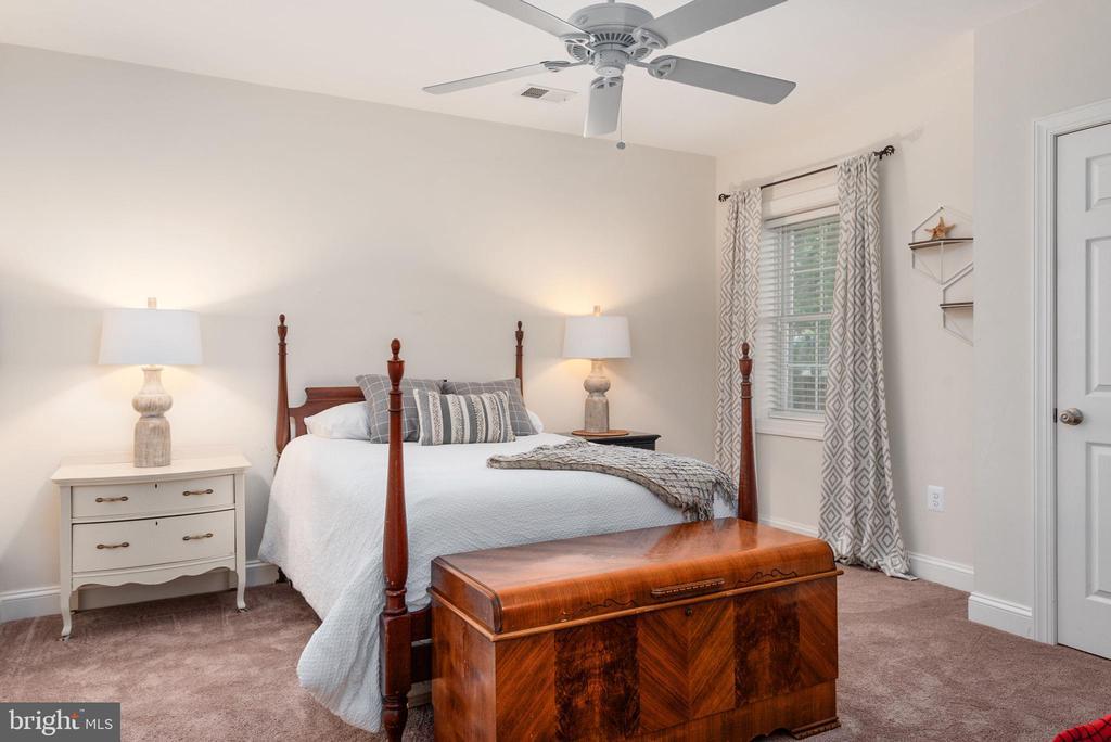 Lower level bedroom/office - 409 N FREDERICK ST, ARLINGTON