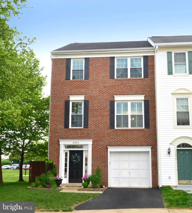 Single Family for Sale at 21854 Kings Crossing Ter Ashburn, Virginia 20147 United States