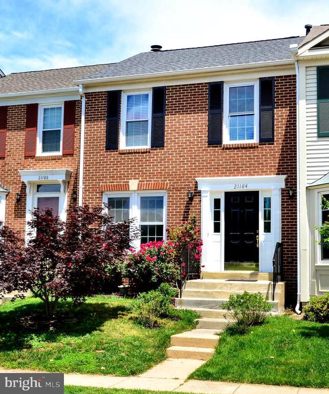 21184  HEDGEROW TERRACE, Ashburn in LOUDOUN County, VA 20147 Home for Sale