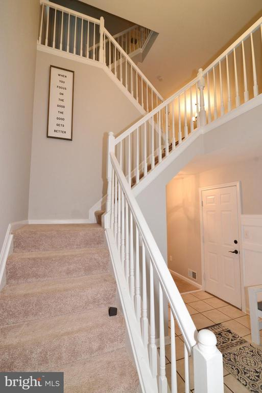 Newer carpet on stairs and upper level - 21854 KINGS CROSSING TER, ASHBURN
