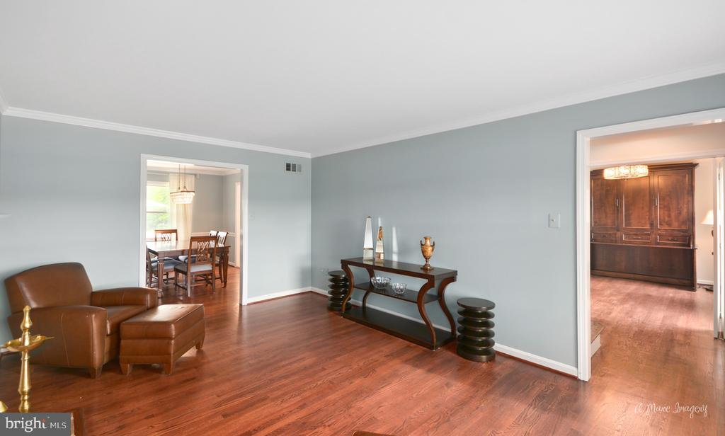Newer wood floors - 7306 COVENTRY DR, MIDDLETOWN