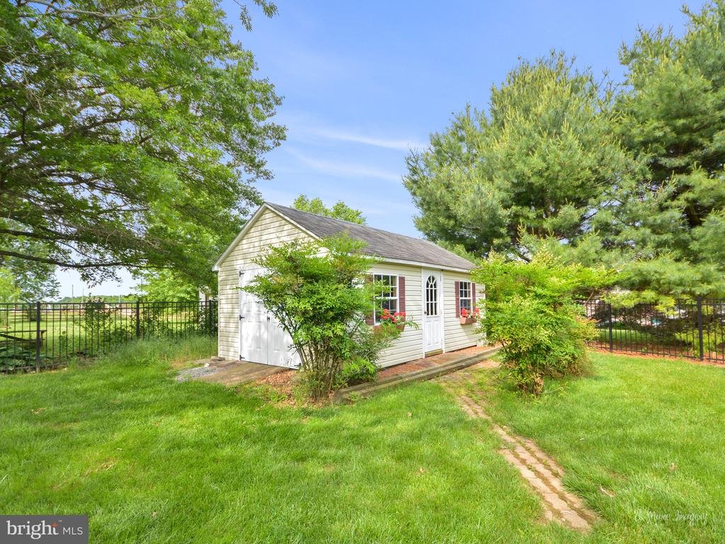 Storage Shed - 7306 COVENTRY DR, MIDDLETOWN
