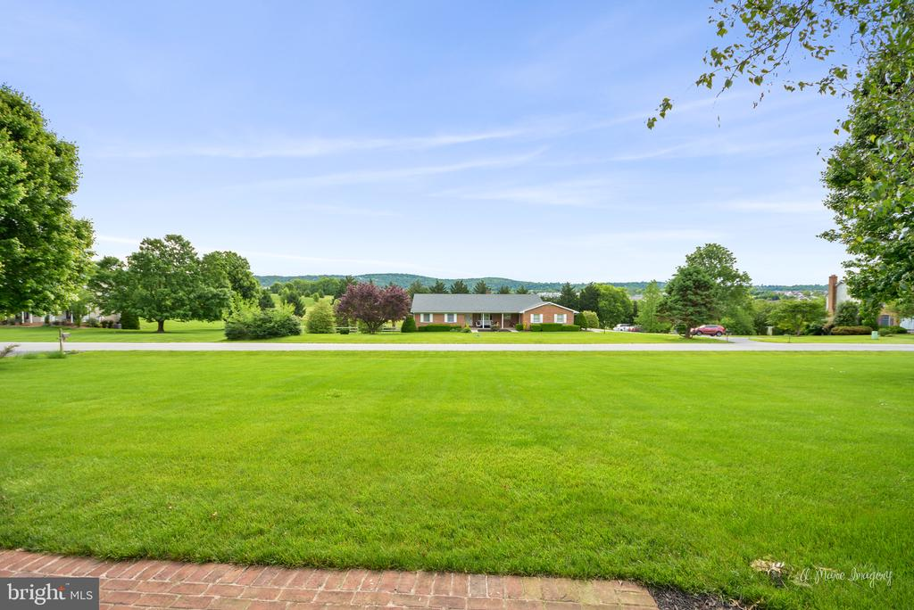 Views of golf course and mountain range - 7306 COVENTRY DR, MIDDLETOWN