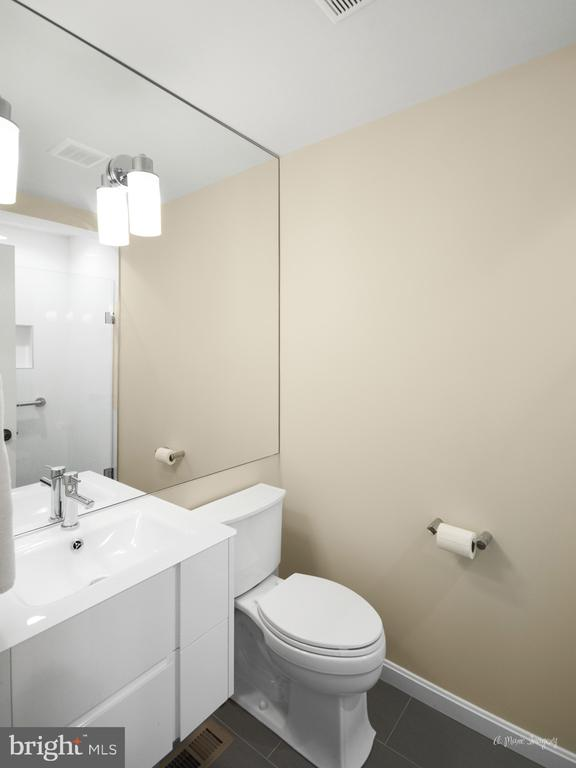 Main level bathroom reno - 7306 COVENTRY DR, MIDDLETOWN