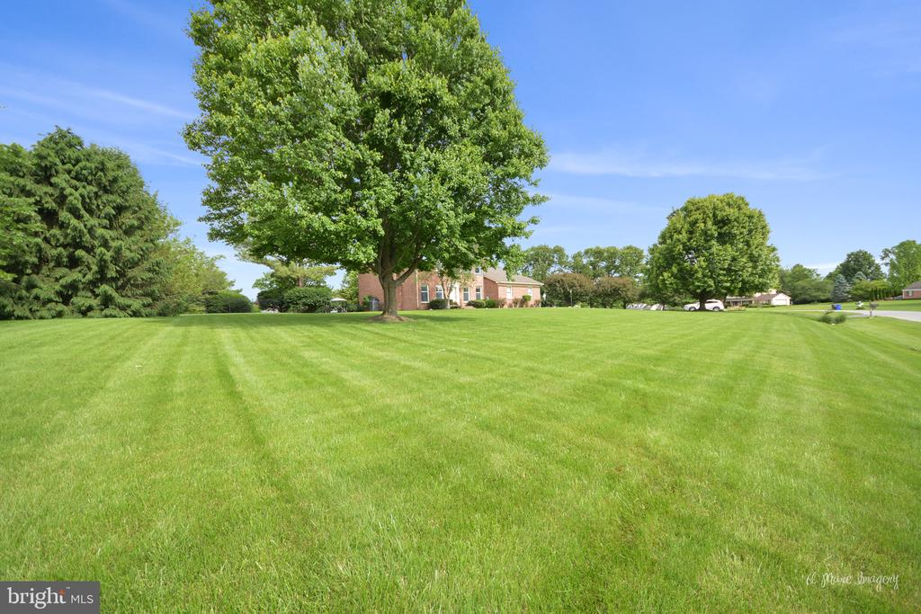 1+ acre - 7306 COVENTRY DR, MIDDLETOWN