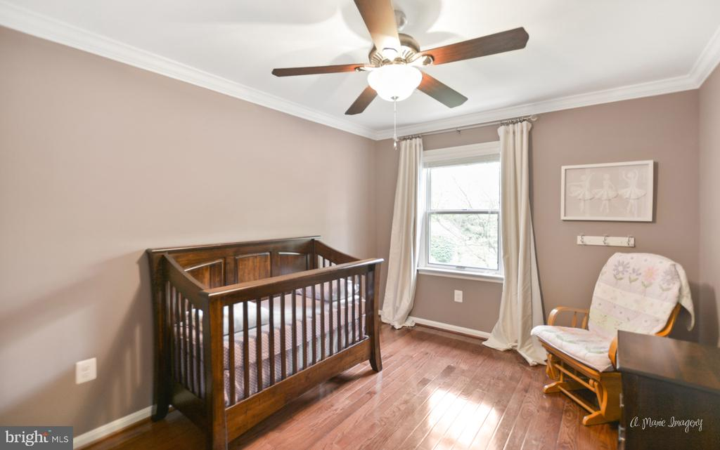 2nd bedroom with newer wood floors - 7306 COVENTRY DR, MIDDLETOWN