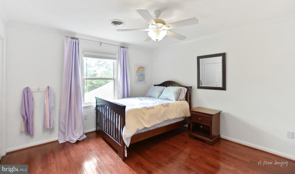 3rd bedroom with newer wood floors - 7306 COVENTRY DR, MIDDLETOWN