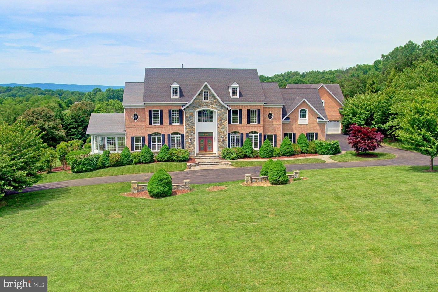 Single Family for Sale at 40412 Spectacular Bid Pl Leesburg, Virginia 20176 United States