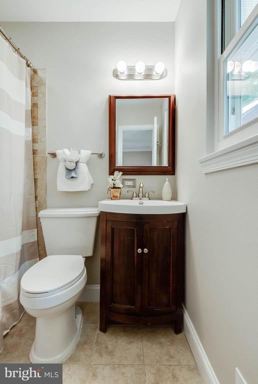 Master Bath - 12920 COLBY DR, WOODBRIDGE