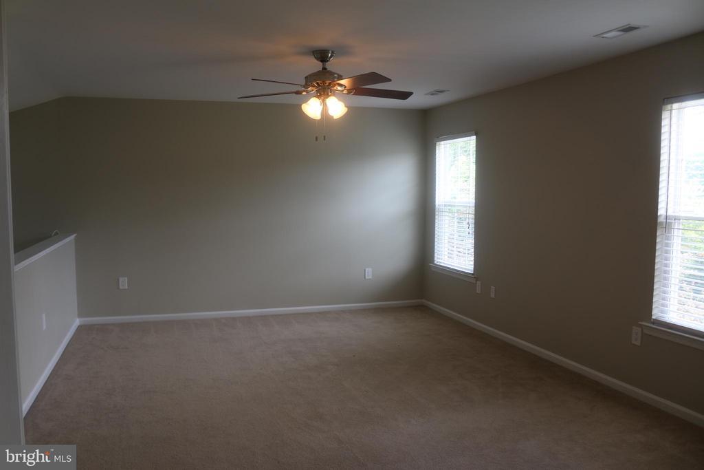 Master Bedroom - 4 JAMESTOWN CT, STAFFORD