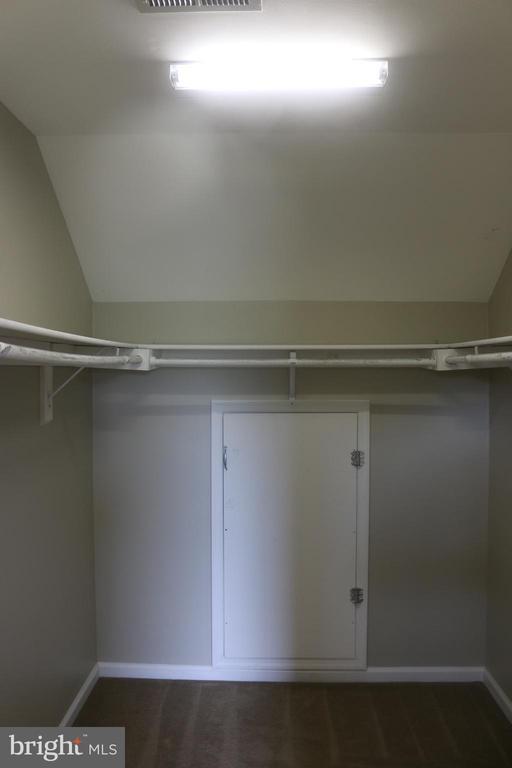 Spacious Walk In Closet with Hidden Storage - 4 JAMESTOWN CT, STAFFORD