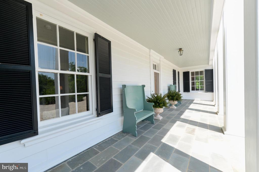 Front columned portico - 8362 HOLTZCLAW RD, WARRENTON