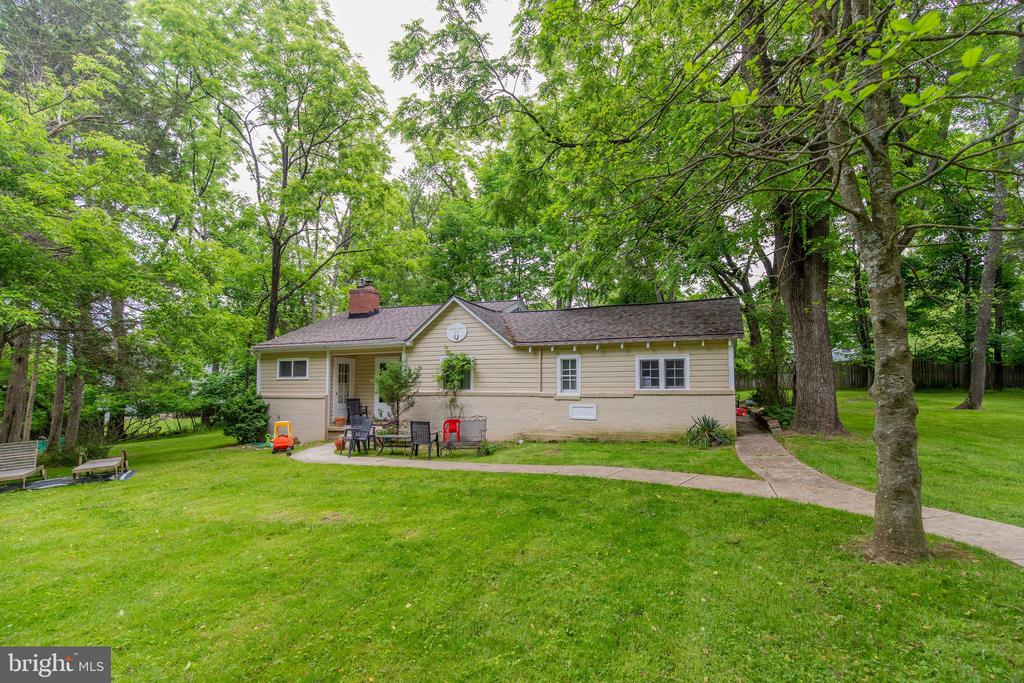 The Cottage 2BR 1BA 1,368 sq ft on 1.55 acre lot - 13826-13832 CASTLE CLIFF WAY, SILVER SPRING