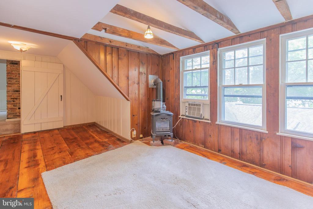 Attic Suite Living Room - 13826-13832 CASTLE CLIFF WAY, SILVER SPRING