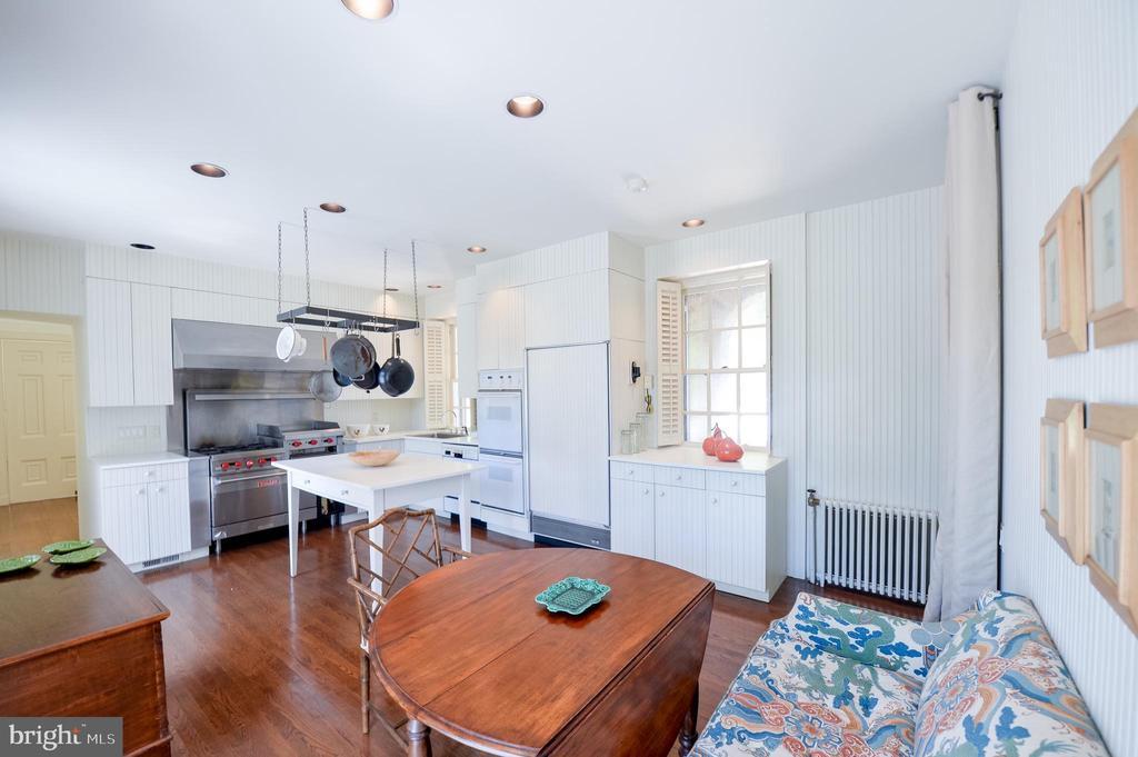 Kitchen - 8362 HOLTZCLAW RD, WARRENTON