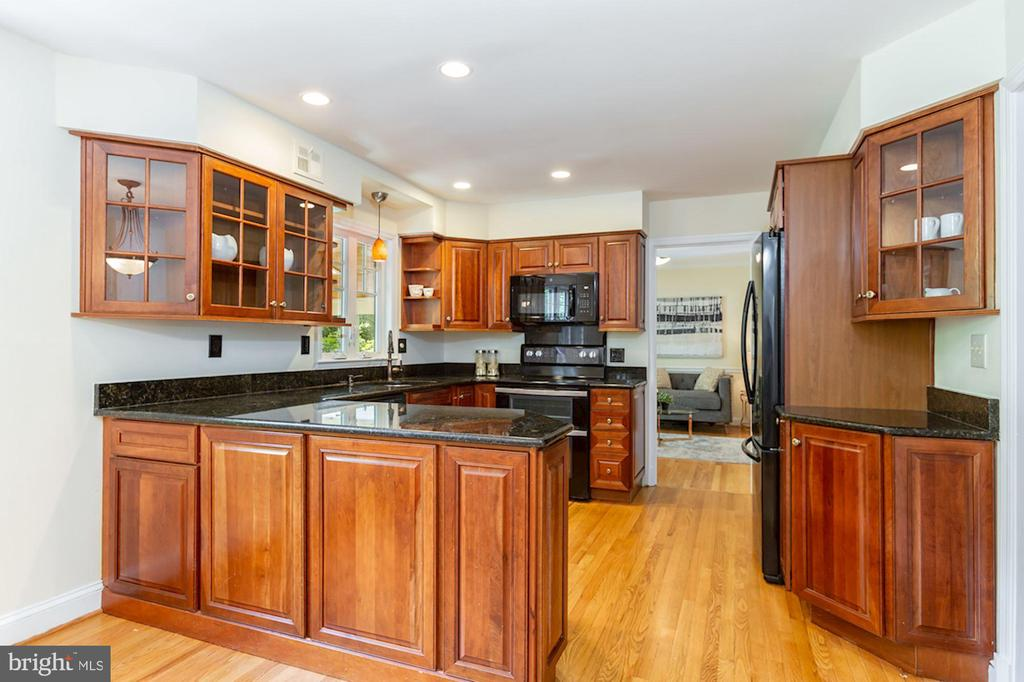Gourmet Kitchen with Ample Storage - 1206 HIGHLAND DR, SILVER SPRING