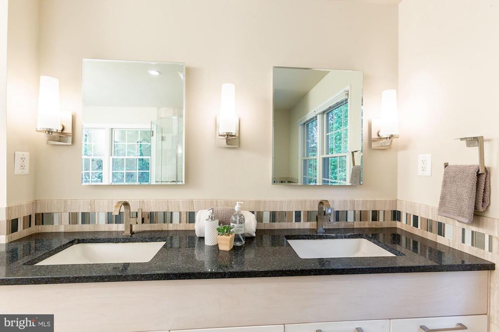 Dual Sinks - 1206 HIGHLAND DR, SILVER SPRING