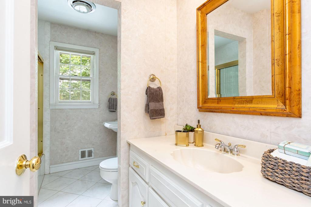 Second Bathroom - 1206 HIGHLAND DR, SILVER SPRING