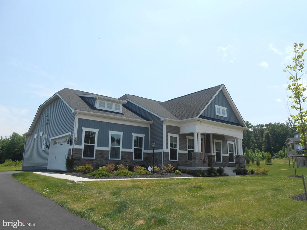 One of the few NVHomes Ramblers in Warrenton Chase - 6435 BOB WHITE DRIVE, WARRENTON