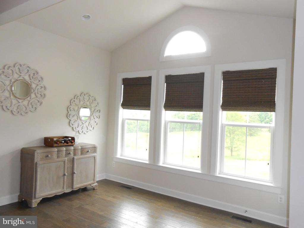 Morning Room with Cathedral ceiling - 6435 BOB WHITE DRIVE, WARRENTON