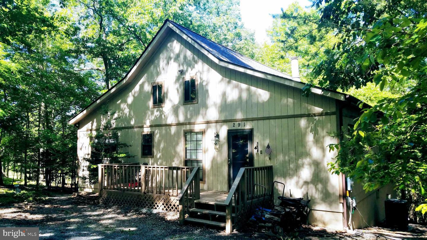 Single Family for Sale at 291 Clubhouse Ridge Hedgesville, West Virginia 25427 United States