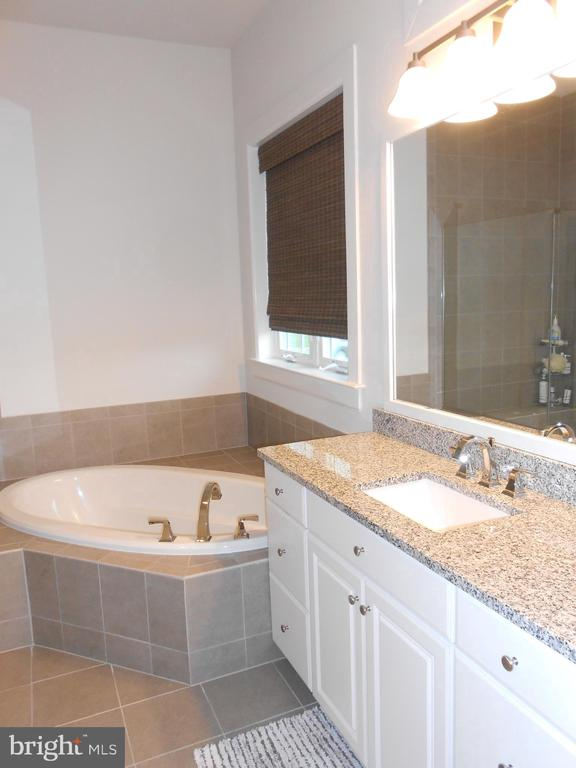 Master Bath - Tile floor - Privacy Commode - 6435 BOB WHITE DRIVE, WARRENTON