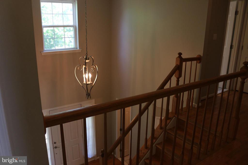 Upstairs - 4 JAMESTOWN CT, STAFFORD