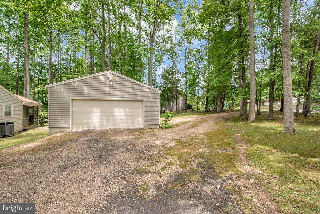 2 Garage & workshop on adjoining lot near porch - 203 MUSKET LN, LOCUST GROVE