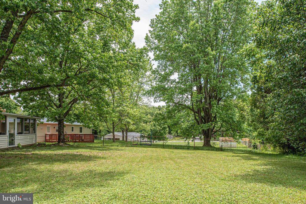 You will love the open space of this backyard - 146 WINEWOOD DR, LOCUST GROVE