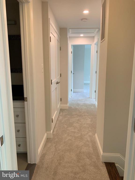 Second floor hallway. - 14182 WYNGATE DR, GAINESVILLE
