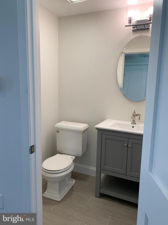 Powder room main level. - 14182 WYNGATE DR, GAINESVILLE