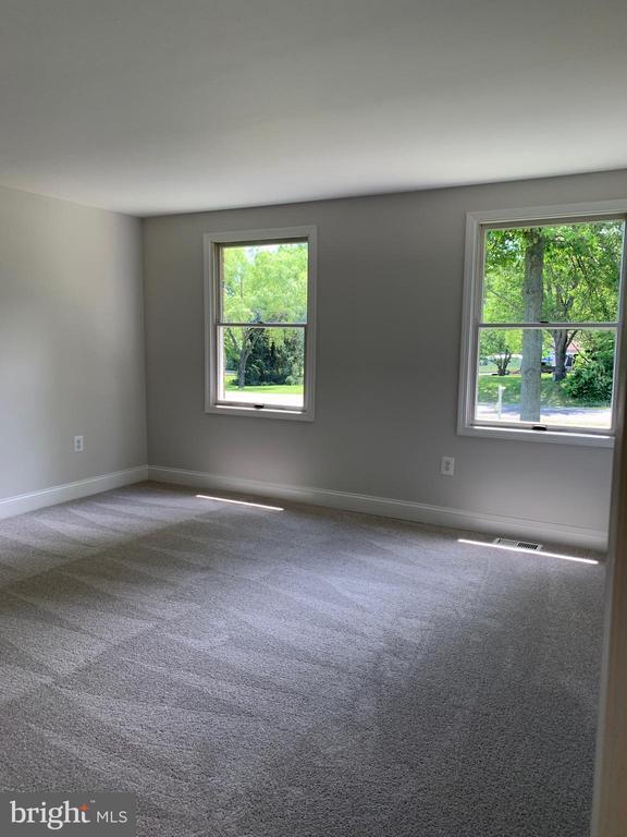 Large bedroom front elevation - 14182 WYNGATE DR, GAINESVILLE