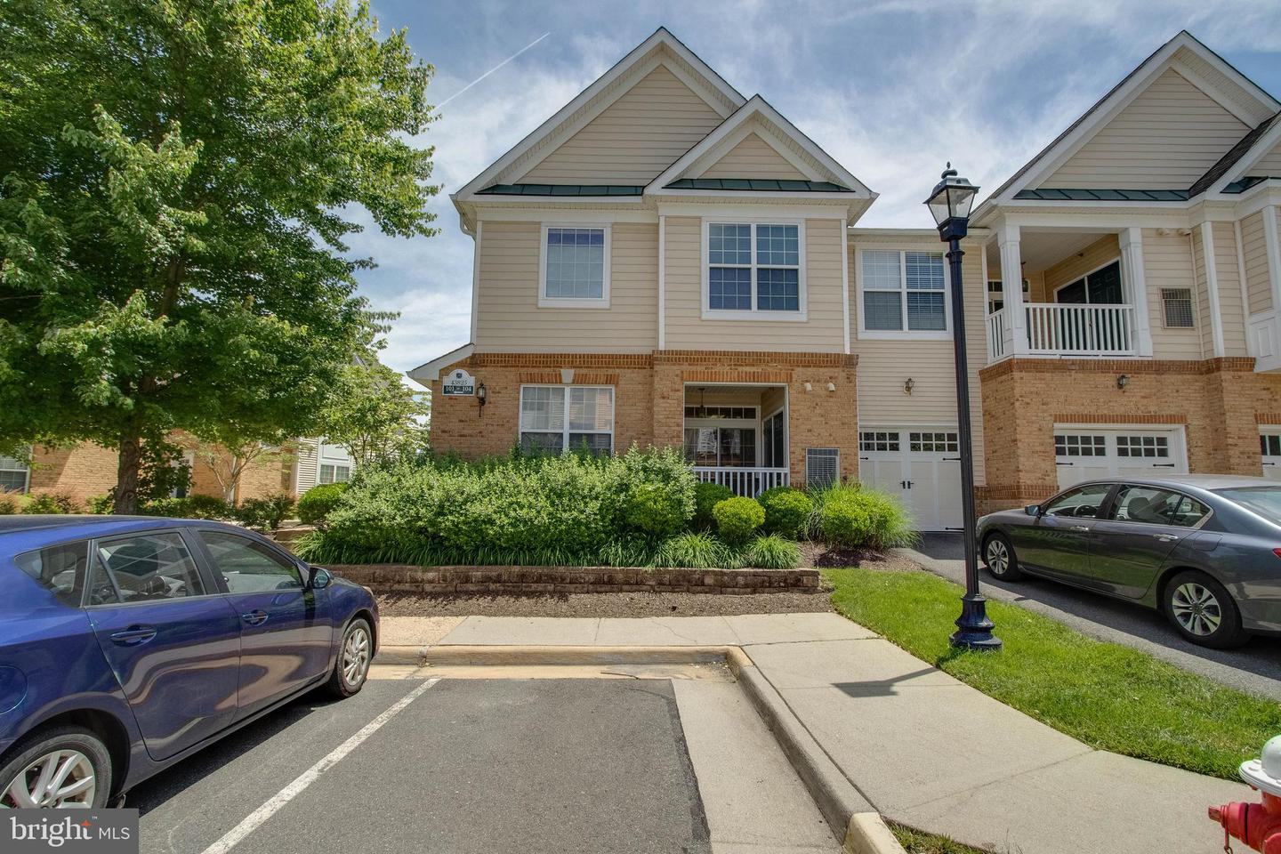 Single Family for Sale at 43825 Hickory Corner Ter #101 Ashburn, Virginia 20147 United States