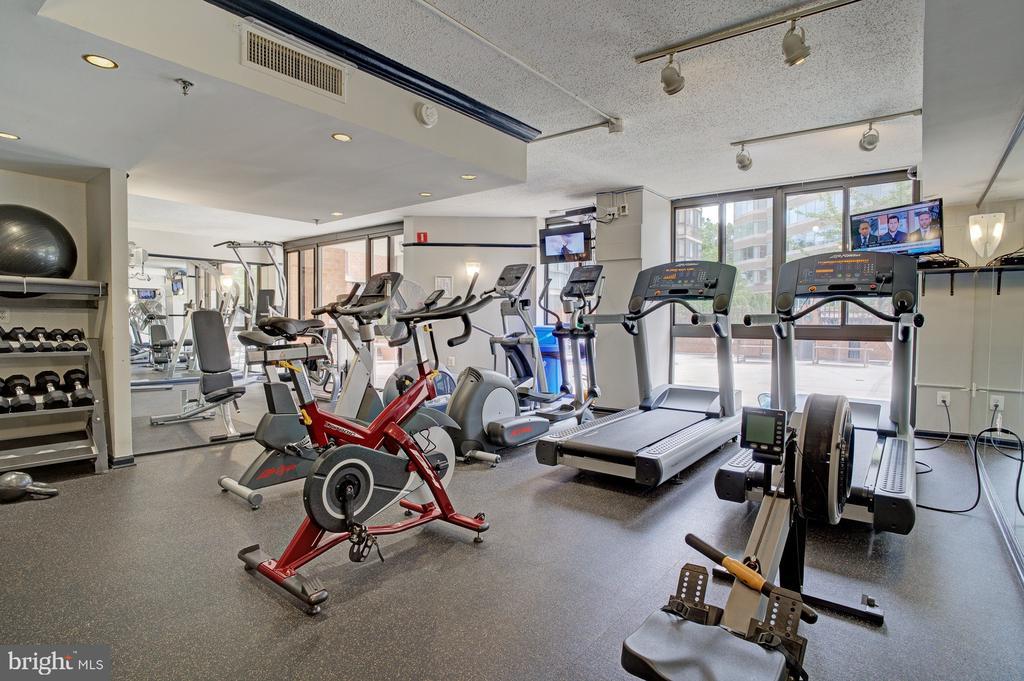 Fitness center - 1001 N RANDOLPH ST #911, ARLINGTON