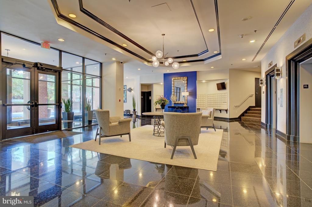 Redecorated lobby - 1001 N RANDOLPH ST #911, ARLINGTON