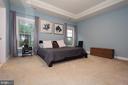 Spacious upper level master bedroom - 21716 MUNDAY HILL PL, BROADLANDS