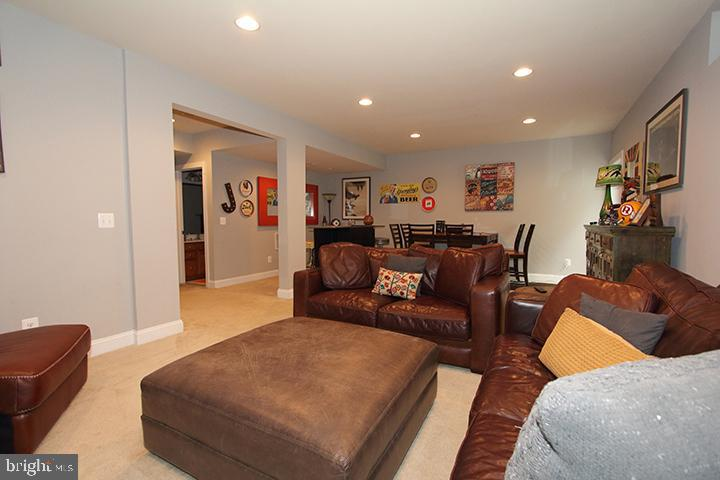 Lower level recreation room Alt view - 21716 MUNDAY HILL PL, BROADLANDS