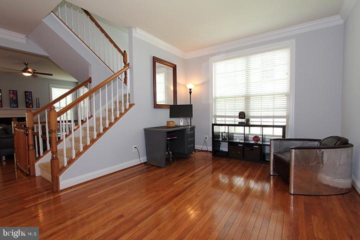 Main level living room - 21716 MUNDAY HILL PL, BROADLANDS