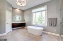 European floating cabinetry, huge frameless shower - 43705 MAHOGANY RUN CT, LEESBURG