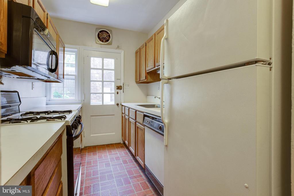 Kitchen - 5033 V ST NW, WASHINGTON