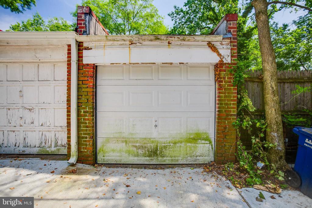 Detached garage - 5033 V ST NW, WASHINGTON
