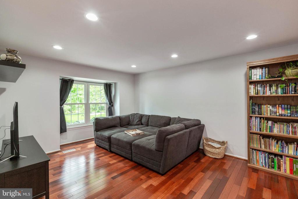 Living Room - 635 IVY LEAGUE LN #23-139, ROCKVILLE