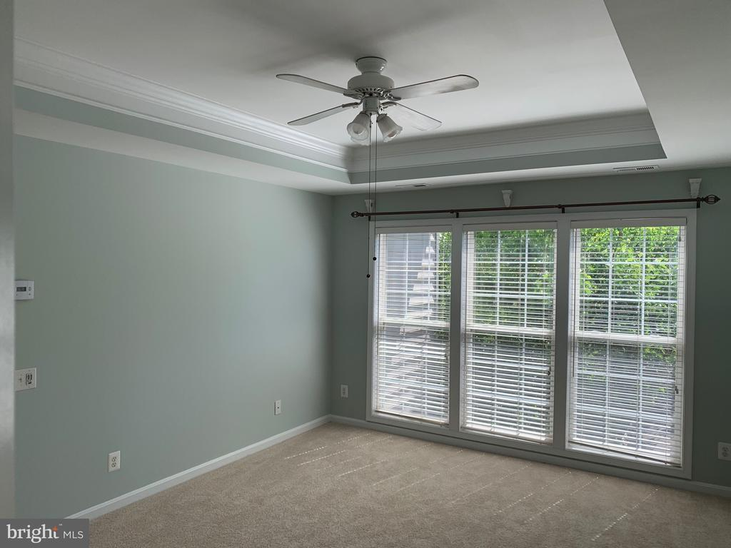 Master bedroom has large windows - 26032 TALAMORE DR, CHANTILLY