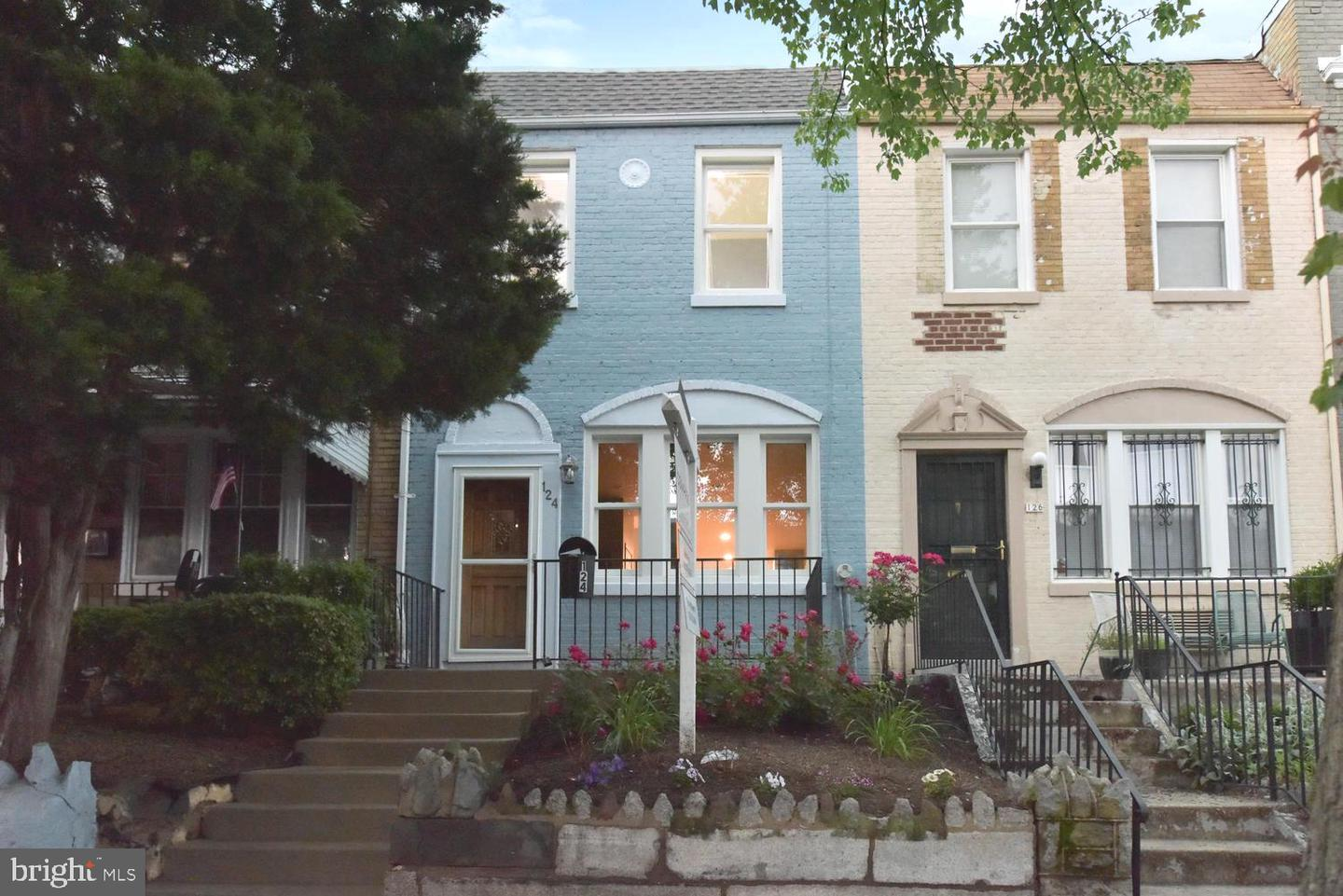 Single Family for Sale at 124 16th St NE Washington, District Of Columbia 20002 United States