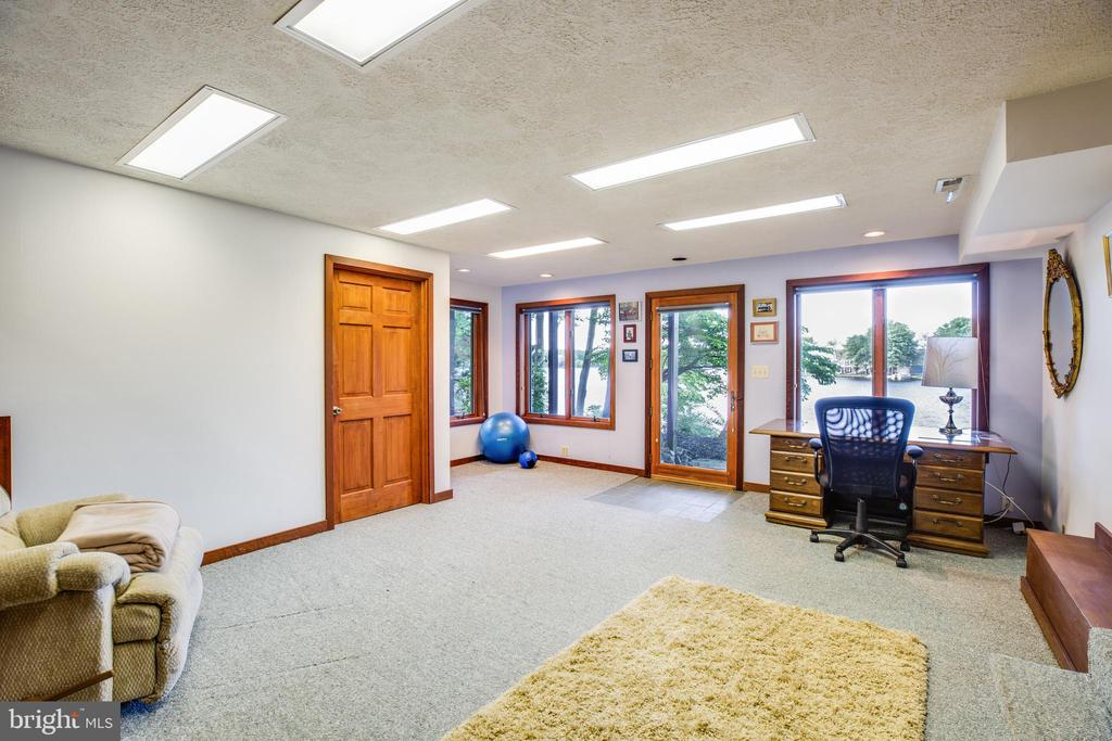 Optional 4th bedroom or office with rear door - 122 MADISON CIR, LOCUST GROVE