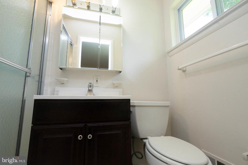 Master Bathroom - 6001 SHERBORN LN, SPRINGFIELD