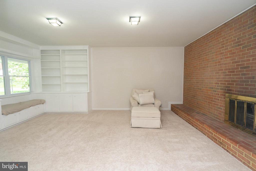 Family Room - 6001 SHERBORN LN, SPRINGFIELD