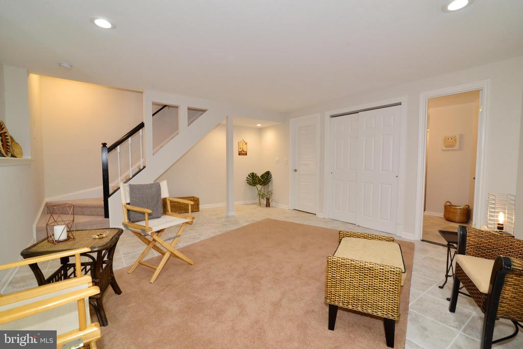 Lower level bedroom and/or recreation room - 11296 SILENTWOOD LN, RESTON