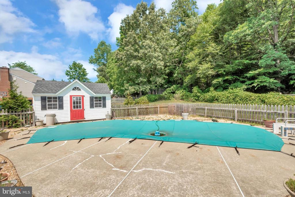 The pool will be open shortly - 612 LENDALL LN, FREDERICKSBURG