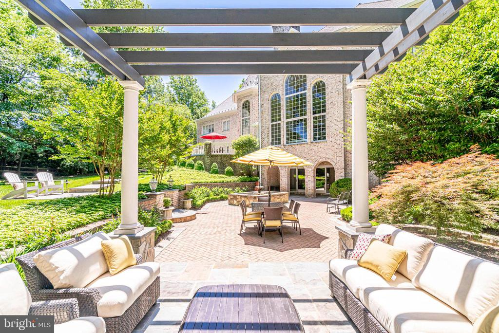 Picturesque setting - 10010 HIGH HILL PL, GREAT FALLS